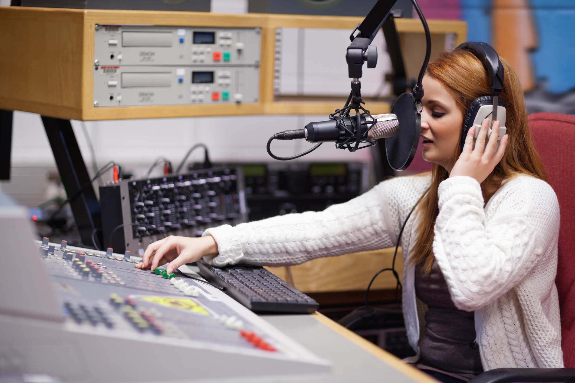 Radio-Station-Wallpaper-Free